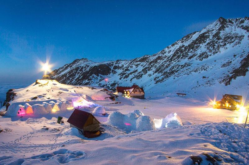 romania-hotel-of-ice